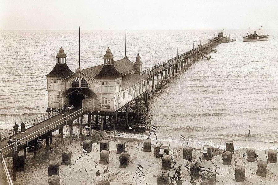 Seebrücke Sellin Rügen - schwarz weiss Bild